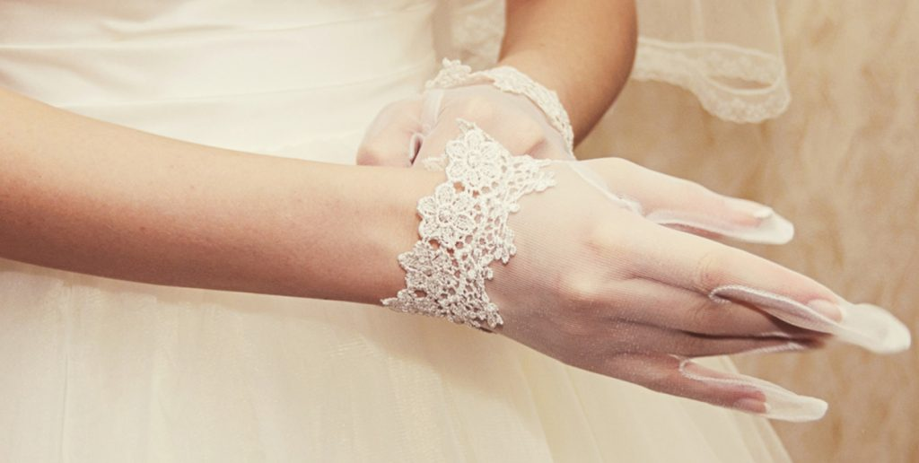 braut handschuhe 1250x630 1